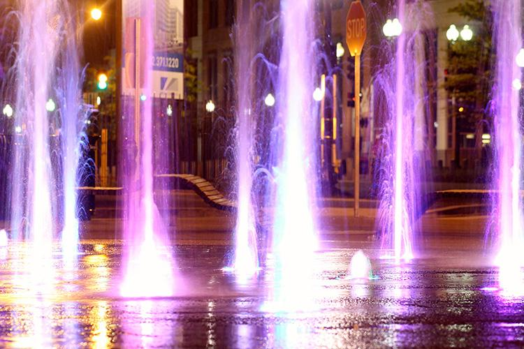 Water+Fountain+in+DC+at+night.