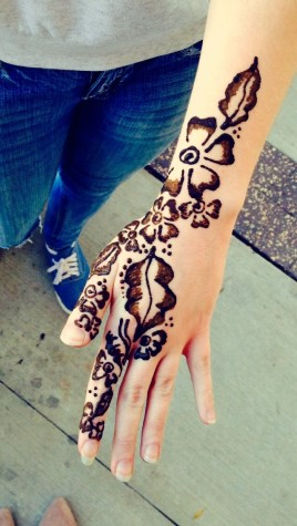 Mendhi Art Walks Around Wakefield