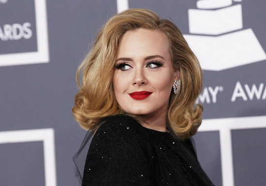 Adele, the siren from the other side of the ocean, is back.