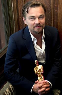Leonardo Dicaprio wins his first Oscar!