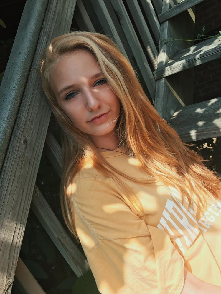 Elena Arrowsmith '19