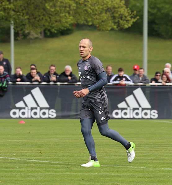 Robben in training.  Photo found at https://tinyurl.com/y8aqy97z