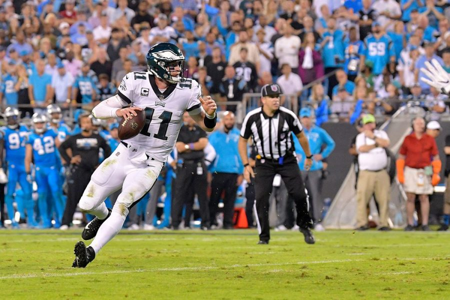 Carson+Wentz+Avoiding+a+Defender.+%28Photo+Found+at+http%3A%2F%2Ftinyurl.com%2Fybd6qf3t%29