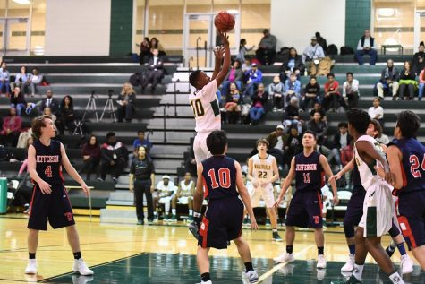 Boys Basketball Comes in Clutch: Road to States