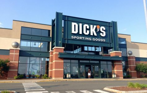Dicks Sporting Goods Takes Assault Rifles off Counter