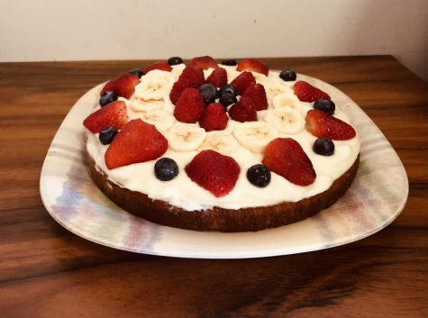 End of School Celebration? This Mixed Berry Sponge Cake is Perfect!